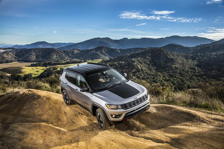 2017 Jeep Compass Driving Exterior